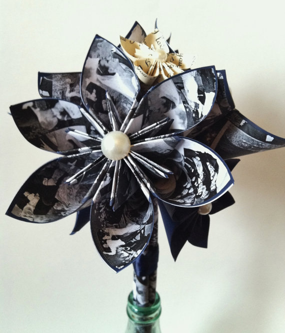 Mariage - Memory Bouquet- paper flowers, origami, use your photos, baby annoucement, bridal annoucement, anniversary gift