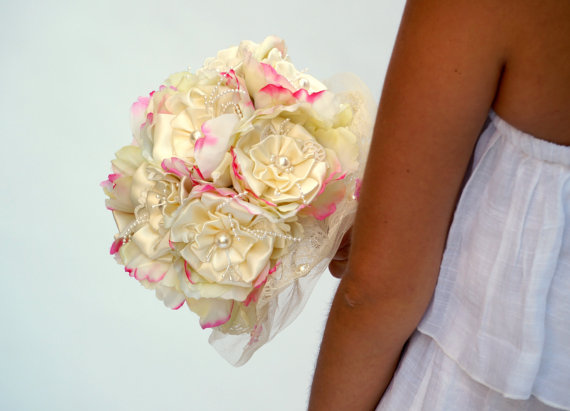 Hochzeit - Silk Flower Wedding Bouquet, Ivory and Pink Brial Bouquet, Woodland Wedding