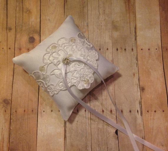زفاف - White Wedding Pet Ring Bearer Pillow