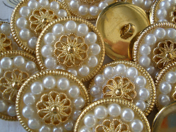 """Wedding - Bridal Bouquet Buttons Faux Pearl & Gold 1"""" 40L 25mm plastic jacket 13 pieces sewing bag wedding embellishment"""