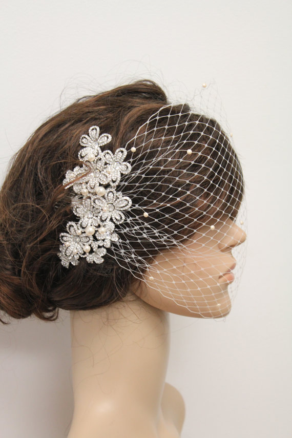 Свадьба - wedding fascinator,bridal Swarovski Pearls Comb,Wedding comb,bridal headpieces,rhinestone bridal Hair comb,Wedding birdcage veil bridal comb