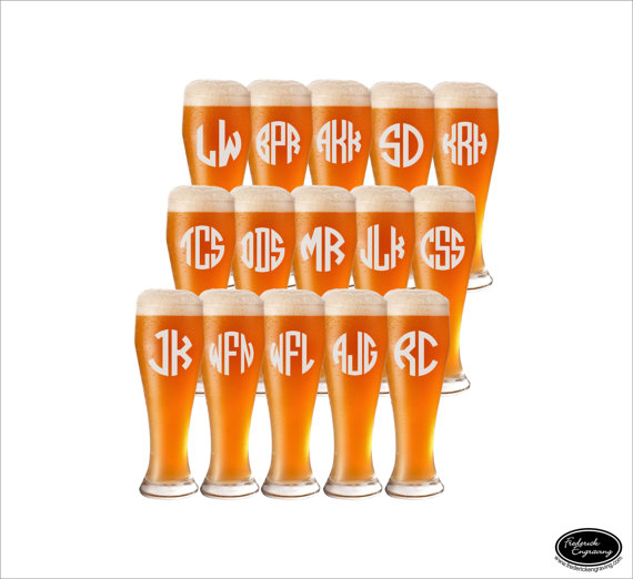 Свадьба - 15 Wedding Beer Glasses, SHIPS FAST, Personalized Wedding Beer Glasses, Custom Wedding Beer Glasses, Pilsner Wedding Beer Glasses, Groomsmen