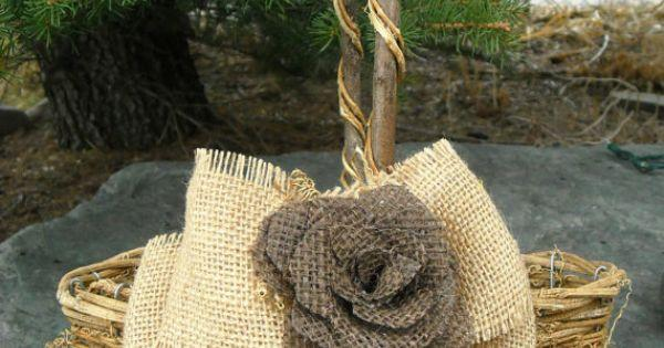 Свадьба - Personalized Flower Girl Basket - Burlap Rose Wedding Pillow - Rustic Flower Girl Basket