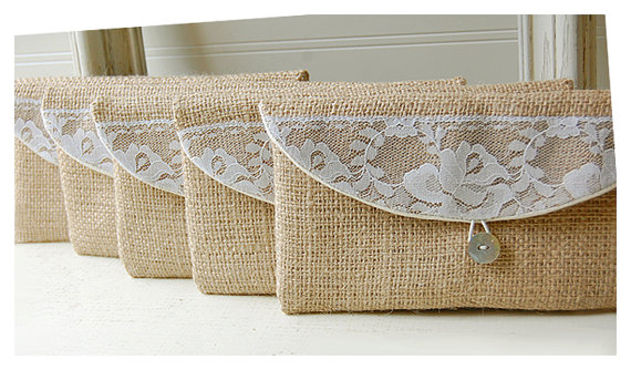 Mariage - burlap lace wedding, clutch purse, rustic wedding, rose color choice, Personalize, Bridesmaid gift, wedding clutch, bridal clutch, pouch