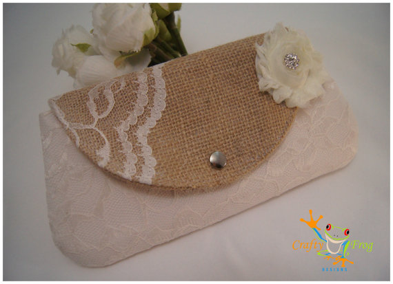 Свадьба - Clutch -Burlap Clutch - Satin Clutch -  Bridesmaid Clutches - Pouch - Formal - Wedding - Boutique - chevron clutch
