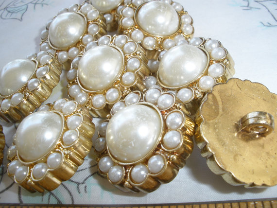 """Wedding - Shabby Wedding Chic Buttons Faux Pearl & Gold Plastic shank buttons 1"""" 40L 25mm rustic18 pieces sewing bridal bag bouquet"""