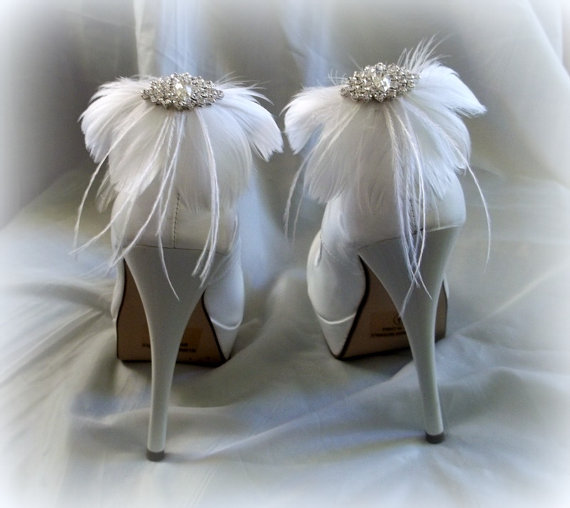 Mariage - Wedding Bridal Feather Shoe Clips - set of 2 - Sparkling Crystal Navette Rhinestone Accents - white