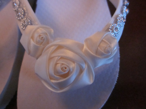 Mariage - Wedding Shoes,Flip Flops,Wedges for Bride.Swarovski Crystal Trim, Satin Ivory Rosettes.Beach Wedding Flip Flops. Wedding Reception.