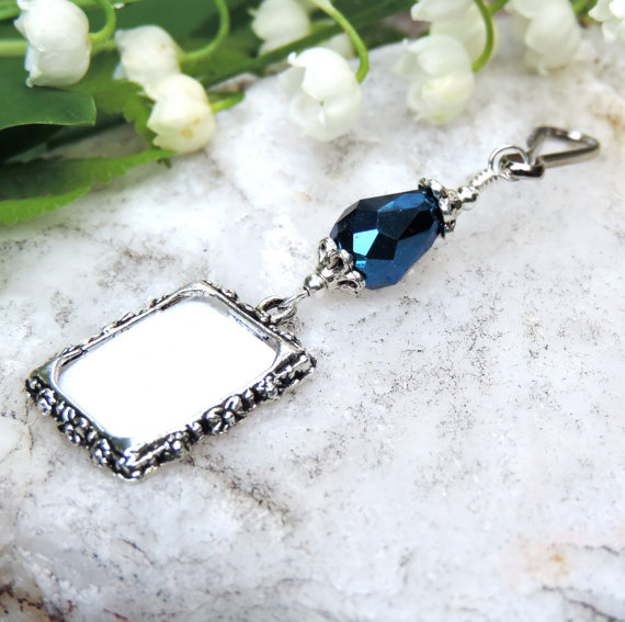 زفاف - Something blue. Wedding bouquet memorial charm. Bridal bouquet photo charm with Dark Blue teardrop crystal.