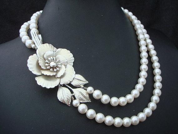 Wedding - Pearl Necklace,Vintage Jewelry,Bridal Necklace,Ivory or White Pearl,Vintage Brooch,Pearl Bridal Necklace,Statement Bridal Necklace,ELIZABETH