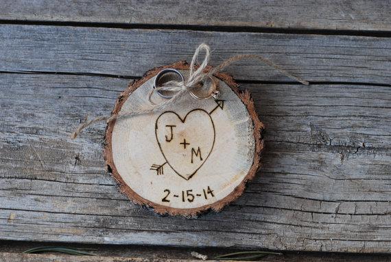 زفاف - Wood Ring Holder - Rustic Wedding - Alternative to Ring Bearer Pillow - Forever Keepsake - Custom Christmas Ornament - 5th Anniversary Gift