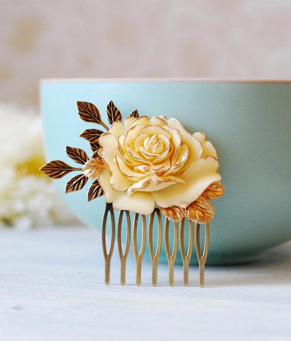 زفاف - Ivory Rose Bridal Hair Comb. Wedding Hair Accessory. Vintage Style Rose Brass Leaf  Hair Comb, Country Wedding Woodland Wedding