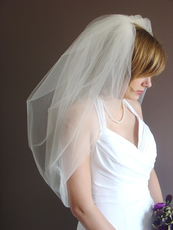 Hochzeit - Wedding veil, Bridal Veil, Bubble Veil in Tulle, Available in a number of colors -- Maddies' Veil