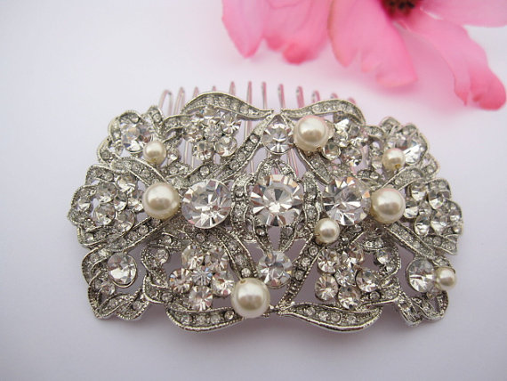 Hochzeit - Vintage Style Bridal Hair Comb, Pearl and Rhinestone Wedding Hair Comb,Wedding Hair Accessories,Bridal HairPiece,wedding headpiece