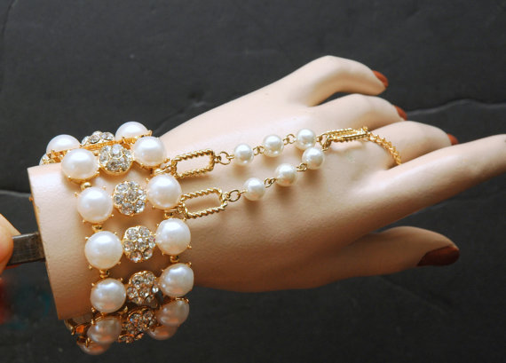 1920s The Great Gatsby Bracelet Bridal Bracelet Gold Pearl Hand