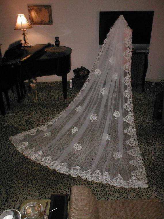 Свадьба - Vintage IVORY long Alencon Lace Mantilla Bridal Veil