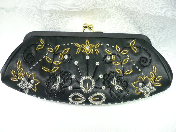 Свадьба - Vintage Black CLUTCH - ornate detail of gold-clear abd black beads - sequins - gold chain-black rope cloth chain - vintage WEDDING-FORMAL