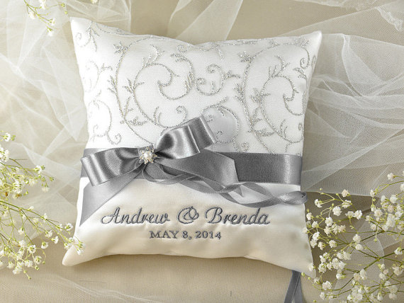 زفاف - Lace Wedding Pillow,  Ring Bearer Pillow Embroidery Names, ivory Satin, Lace yellow  ribbon