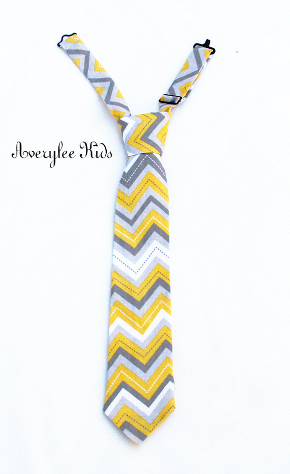 Mariage - Boys Necktie, Yellow and Gray Chevron, Toddler Boys Neck Tie, Infant, Wedding Ring Bearer, Infant to Teen