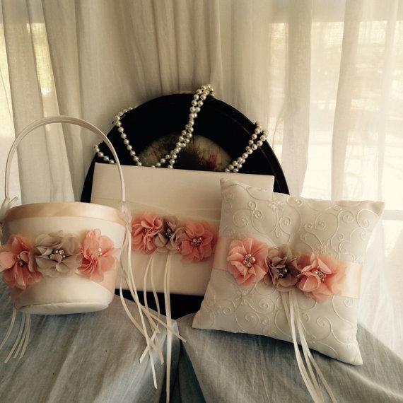 Mariage - SALE-Flower Girl Basket-Ring Bearer Pillow-Guest Book-Pillow-Basket-Guest Book-Pillow-Ivory Wedding Basket-Blush-Ivory-Pillow and Basket