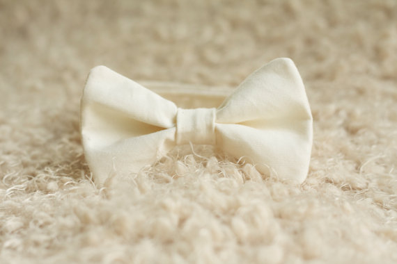 زفاف - Men's and Boy's Cream Bow Tie, Christmas Photography Prop, Off White Bowtie Newborn Toddler Adult Accessorie, Groomsmen Ring Bearer Wedding