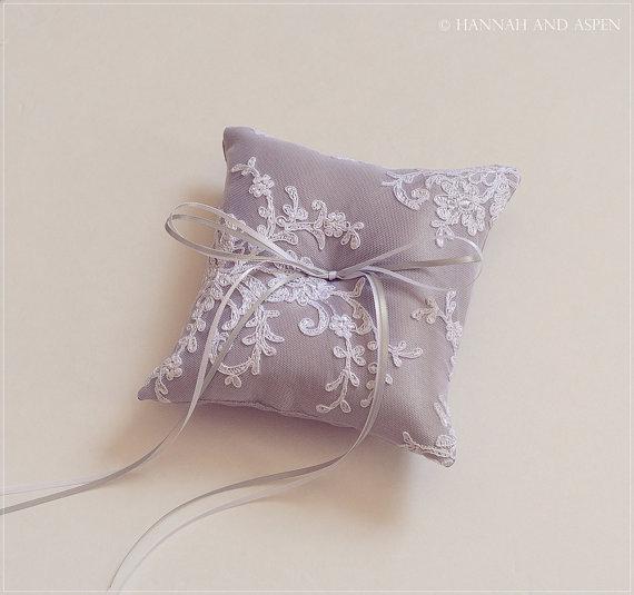 "Hochzeit - Adele - 6x6"" Wedding ring pillow - Wedding ring bearer - Ring pillow bearer - Silk ring pillow _ SILVER GREY"