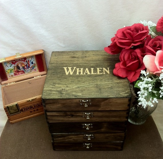 Свадьба - Rustic Groomsmen Gift - Set of 5 Wooden Cigar Boxes - Laser Engraved Name - Rustic - Stained and Personalized Wooden Box