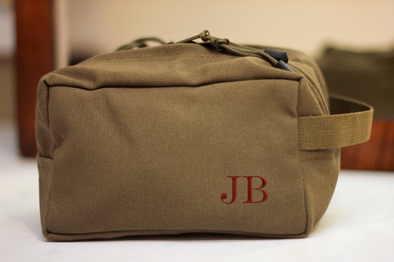 Hochzeit - Groomsmen Shave kit Personalized Custom Dopp Military Toiletry Travel Bag~Anniversary gift Valentine gift for men, boyfriend, husband