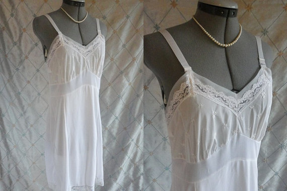 Mariage - 60s 70s Lingerie // Vintage 1960s 1970s White Lacy Slip with Embroidered Flowers Size 38
