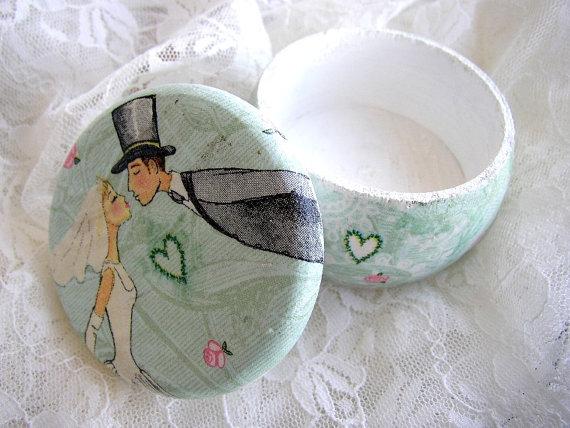 Свадьба - Wedding Ring Pillow Alternative - Small Ring Bearer Wedding Box - Engagement Box - Tiny Wedding Rings Holder - Mint Ring Holder - We Do