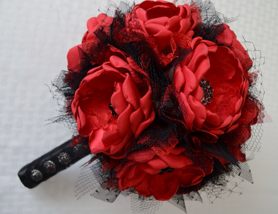 Mariage - Red and Black Fabric Flower Bouquet - Heirloom Bouquet, Forever Bouquet, Fabric Bouquet, Fabric Flowers, Vintage Style