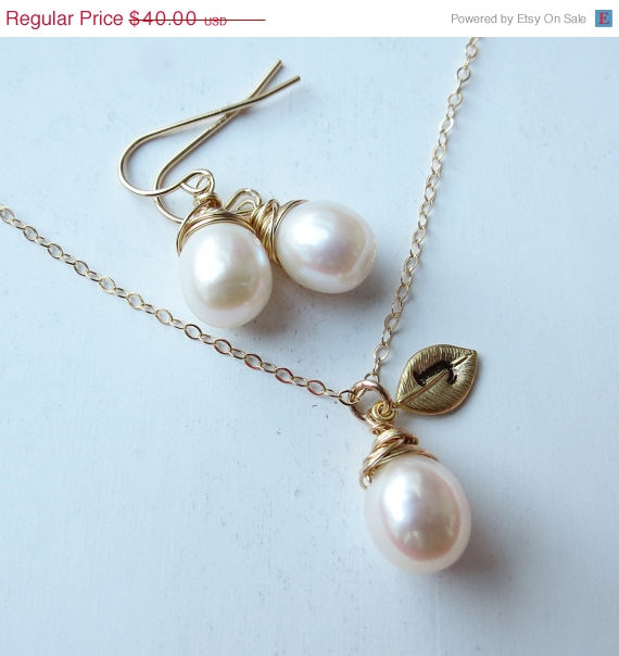 Свадьба - VALENTINES SALE Bridal Pearl Set, Gold Fill Necklace & Earring Set, Fresh Water Pearls Wedding Jewelry, Personalized Bridesmaids Gifts, June