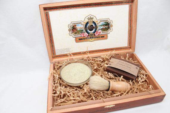 Свадьба - Men's Shaving Gift Set ~ Cigar Box ~ Shaving Kit ~ Beer Soap ~ Groomsmen Gift ~ Valentine's Day