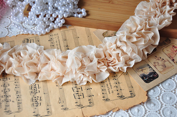 Mariage - Nude Pink Pleated Lace Trim, Wedding Bouquet, Chiffon Lace Trim, Bridal headware