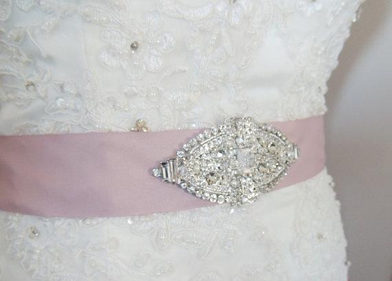 Hochzeit - Wedding Dress Gown Vintage Inspred Art Deco Jeweled Belt Embellishment Brooch Sash Velvet Red Ribbon Винтаж