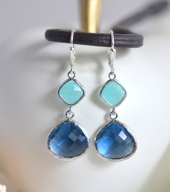 Mariage - Sapphire Blue and Aqua Dangle Earrings in Silver.  Dangle Earrings.  Drop Earrings. Wedding Jewelry. Silver Earrings. Gift.