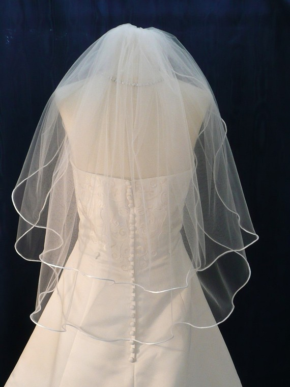 Mariage - Wedding Veils  Two Tier Elbow  length   Bridal Veil trimmed with  Satin Rattail or Flat Ribbon trim