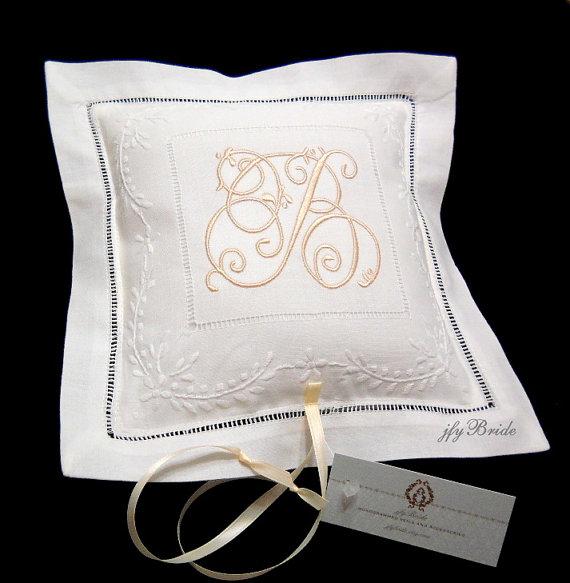 زفاف - Ring Bearer Pillow, Irish Linen Ring Bearer Pillow, Monogrammed Wedding Ring Pillow, Style 7961