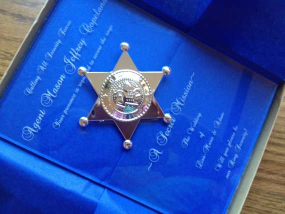 Mariage - Will You Be My Ring Bearer Invitation, Laser Engraved Acrylic, Sheriff's Badge, Security Forces, Ring Bearer Invitation, Bling Security