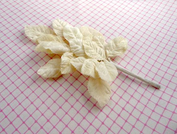 زفاف - Velvet Millinery Leaves Spray of 18 Ivory for Weddings Hats Corsages Bridal Bouquets Hair Clips