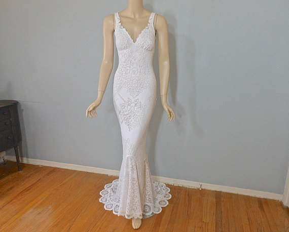 Свадьба - RESERVED Evel Stunning Lace Wedding Dress White BOHEMIAN Wedding Dress LACE Wedding Gown Beach Wedding Dress Sz Small