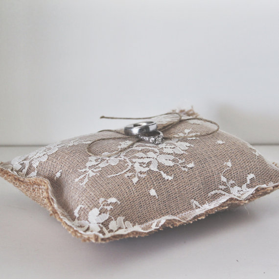 "زفاف - Rustic wedding lace burlap ring bearer pillow 7""x7"""