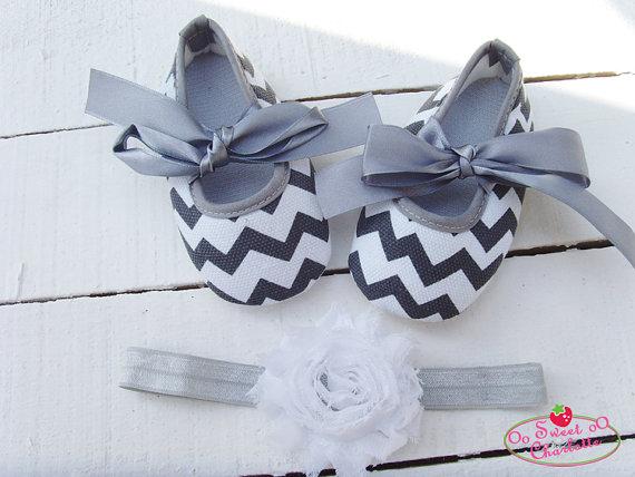 زفاف - Gray Chevron Shoes and headband set,Baby Shoes,Christening,Baptism,Wedding,Crib Shoes,Girl shoes,Gray Shoes,baby soft sole shoes