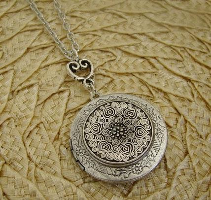 Round Silver Medallion Locket Necklace Wedding Bride Bridesmaid Mom Birthday Valentines Day Gift Wife Daughter Sister Photo Pictures Marla