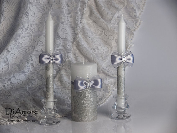 Свадьба - DAMASK Silver Wedding Unity Candle. Set of 3 candles.  Wedding vows,  pillar candle, silver theme