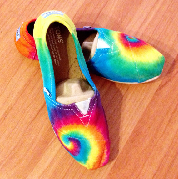 Свадьба - Rainbow Tie-dye TOMS Shoes, Women's Shoes