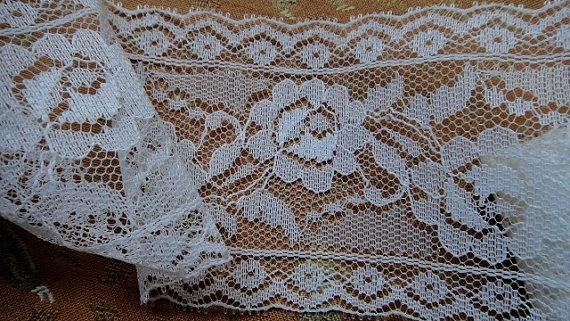 "4/"" Wide White Floral Lace by Yard"