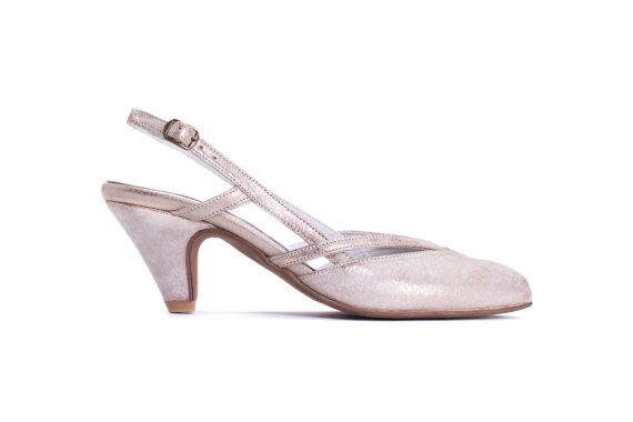 Свадьба - SALE 50% off Summer Heels , Womens Gold Closed Toe Summer Sandals , Pointed Toe Slingback , Bridal Shoes, Wedding Shoes, Free Shipping
