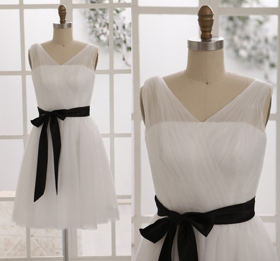 زفاف - Ivory Tulle Bridesmaid Dress with Black Sash in Knee Length Short Dress for Wedding
