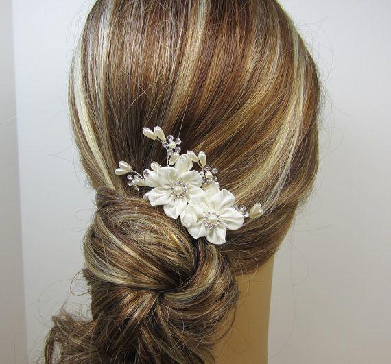 Wedding - Pearl Flower Bridal Comb, Grace Hair Comb, Bridal Hair Comb, Wedding Hair Accessories, Bridal Headpieces, Rhinestone Hair Comb Bridal